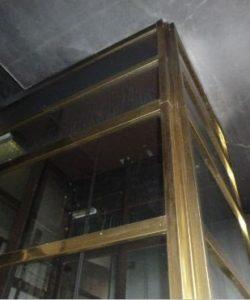 MIBAG Sanace - Výtah a schodiště před sanací